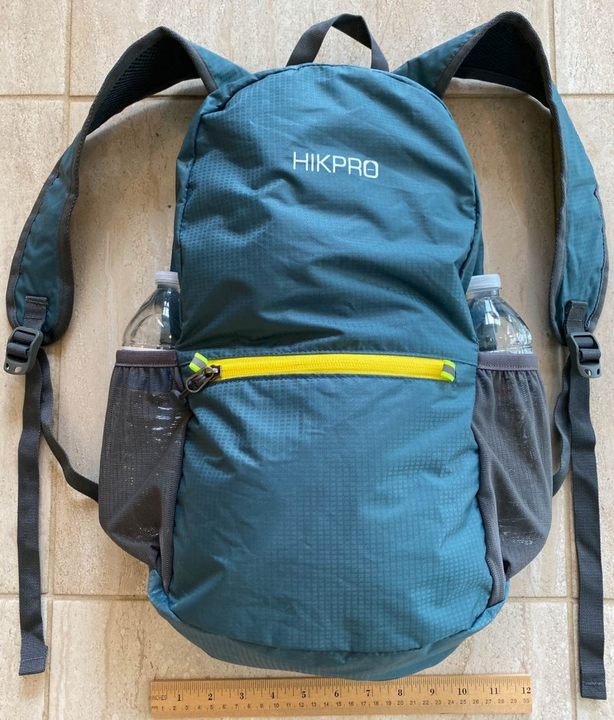 HIKPRO 20L Pack | detail photo with ruler